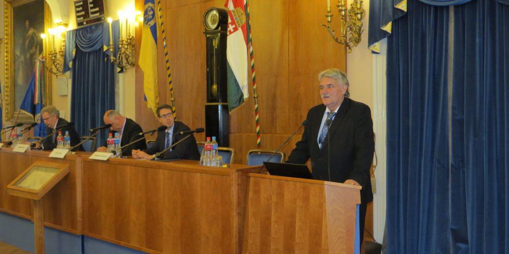 Gazdaságfejlesztési konferencia a Pesti Megyeházán